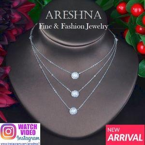 Trendy Swarovski Crystals Necklace